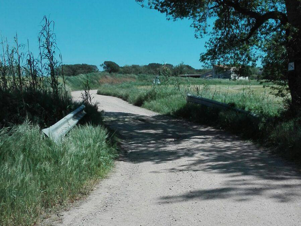 23. cruzando el puente de la depuradora picnic les 3 flors