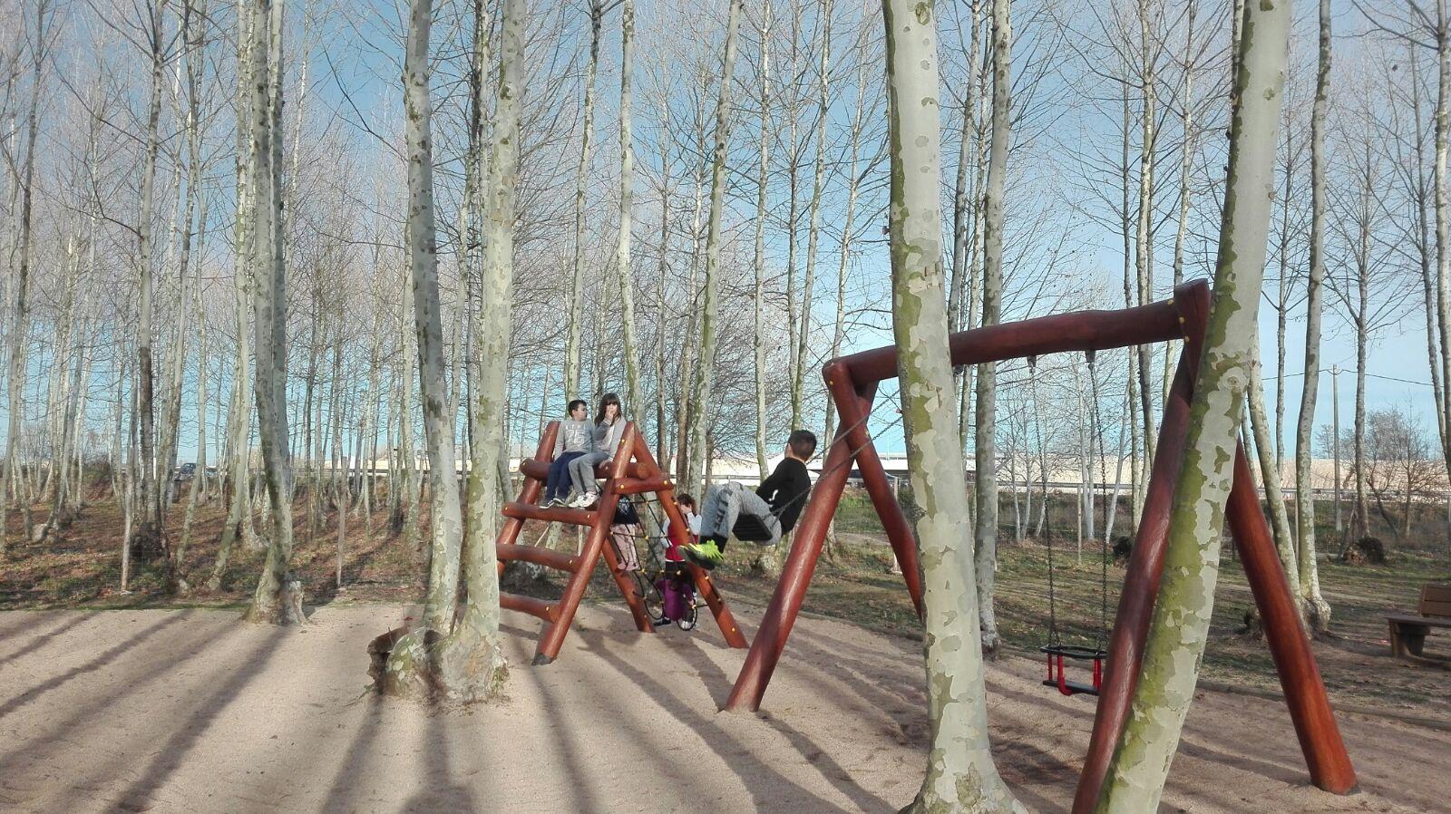 zona de jocs plena de nens hivern picnic les 3 flors