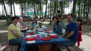 aniversari-preparat-al-picnic-les-3-flors