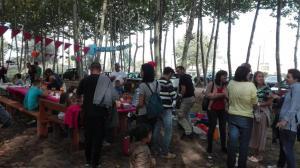 gent-amb-bon-ambient-picnic-les-3-flors