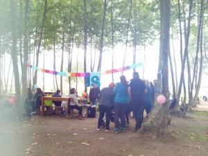 grup aniversari taula decorada picnic les 3 flors