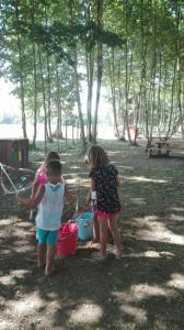 jocs-aigua-nens-picnic-les-3-flors