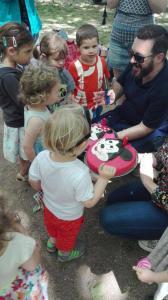 pastis aniversari pels petits picnic les 3 flors
