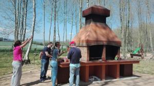 preparatius de la barbacoa amb illusio picnic les 3 flors