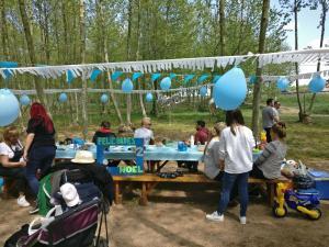 taula decorada per aniversari noel picnic les 3 flors