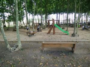 tobogan parc aventura zona jocs infantils picnic les 3 flors