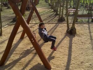 zona jocs infantils gronxador picnic les 3 flors